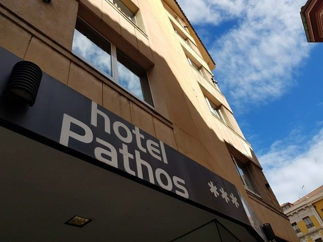 Façade hotel city house pathos gijón