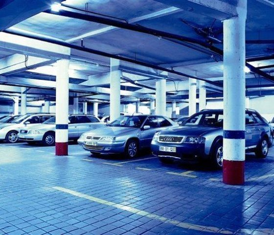 Propre parking ($) hôtel faranda florida norte madrid
